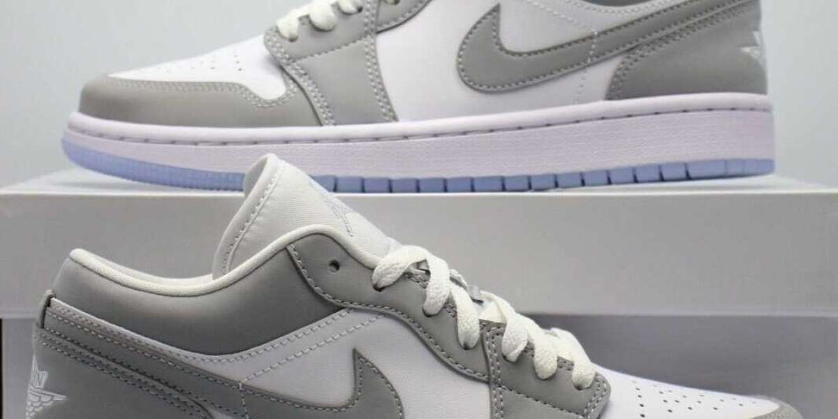"""2021 New Air Jordan 1 Low WMNS """"Wolf Grey"""" DC0774-105 What do you think?"""